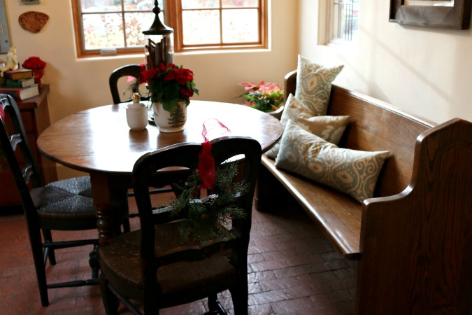 Kitchen Seating Area