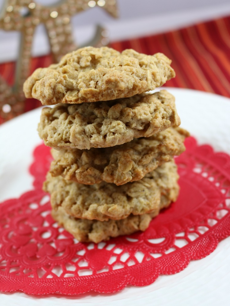 100% whole grain, Quaker Oats loaded with delicious golden raisins.