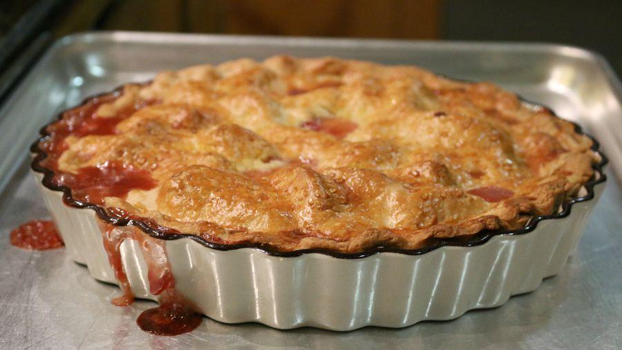 Deep Dish Peach Pie Recipe CeceliasGoodStuff.com   Good Food for Good People