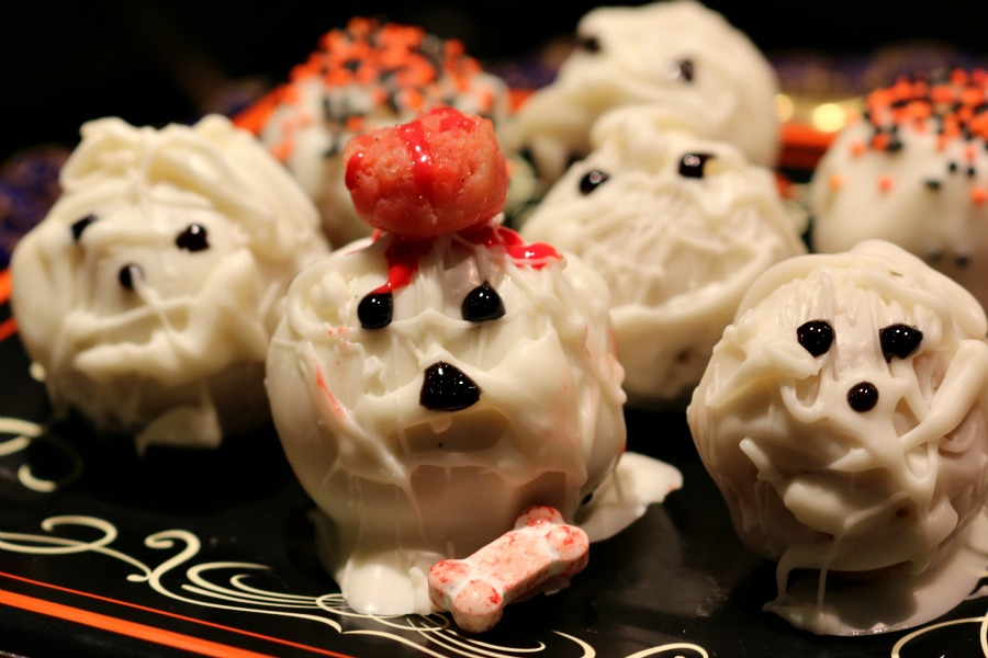 Halloween Mummy Cake Balls