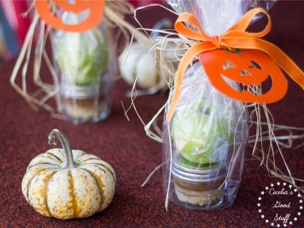 Halloween-Toffee-Apple-Dip-Recipe