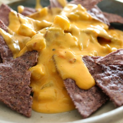 Holiday Party Chile con Queso