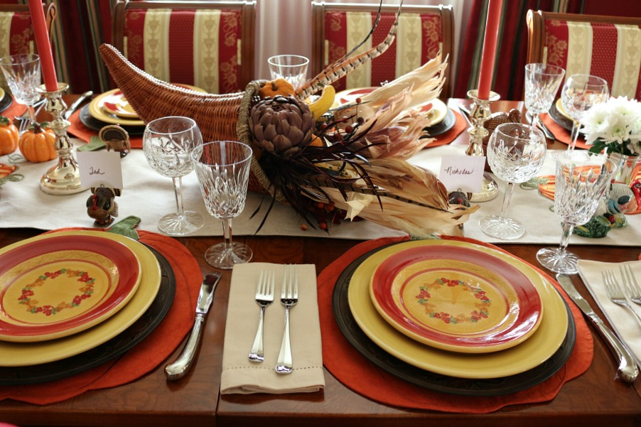 Thanksgiving Table Setting, I am a bit of an eclectic, I mixed stoneware with formal crystal. I don't follow all the rules, I do mix and match according to my own unique taste.