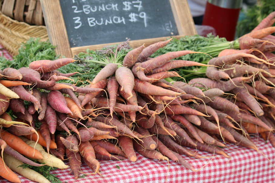 Fresh Organic Growers Market Carrots