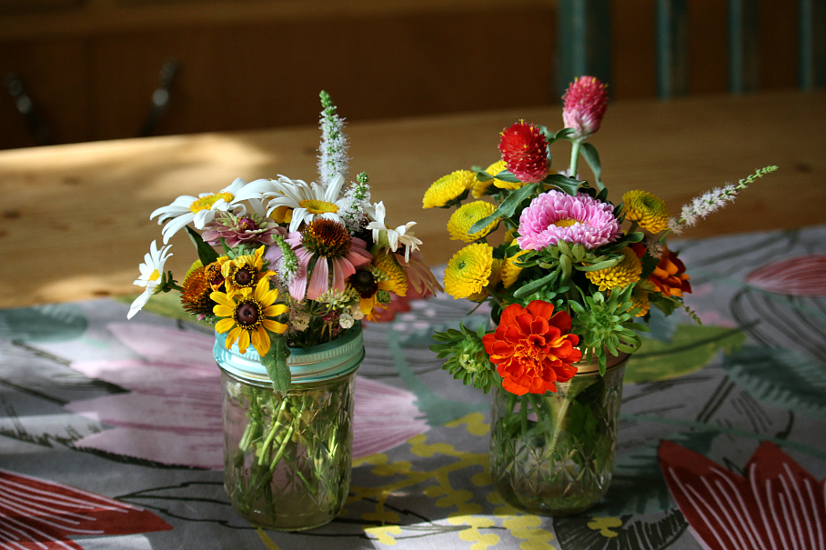 "On the left a garden bouquet I purchase at the growers market. On the right the one I made with garden flowers. ""INSPIRATION"""
