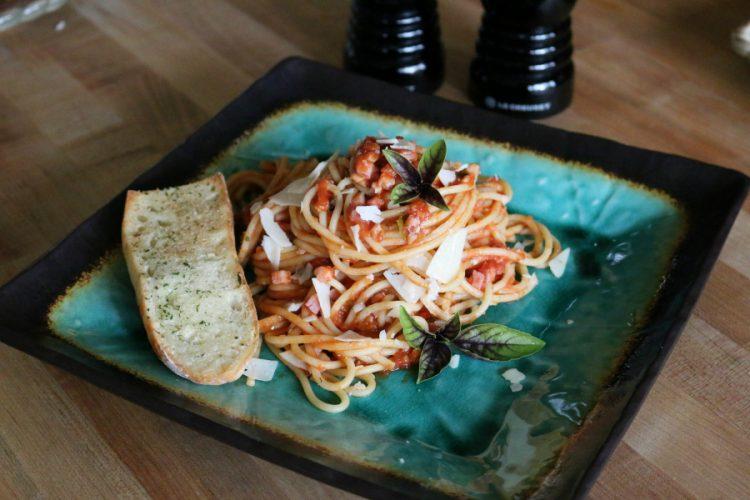 Simple Spaghetti with Marinara Sauce