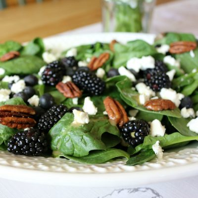 5 Spinach Salad Recipes Mom's will LOVE