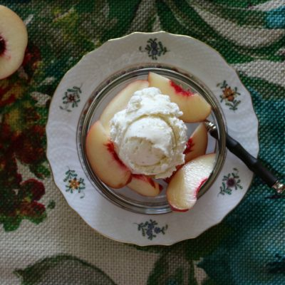 7 Simple Recipes for White Peaches